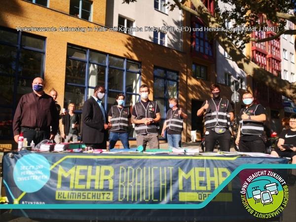 Verkehrswende Aktionstag in Halle mit Karamba Diaby (MdB SPD) und Hendrik Lange (MdL LINKE)